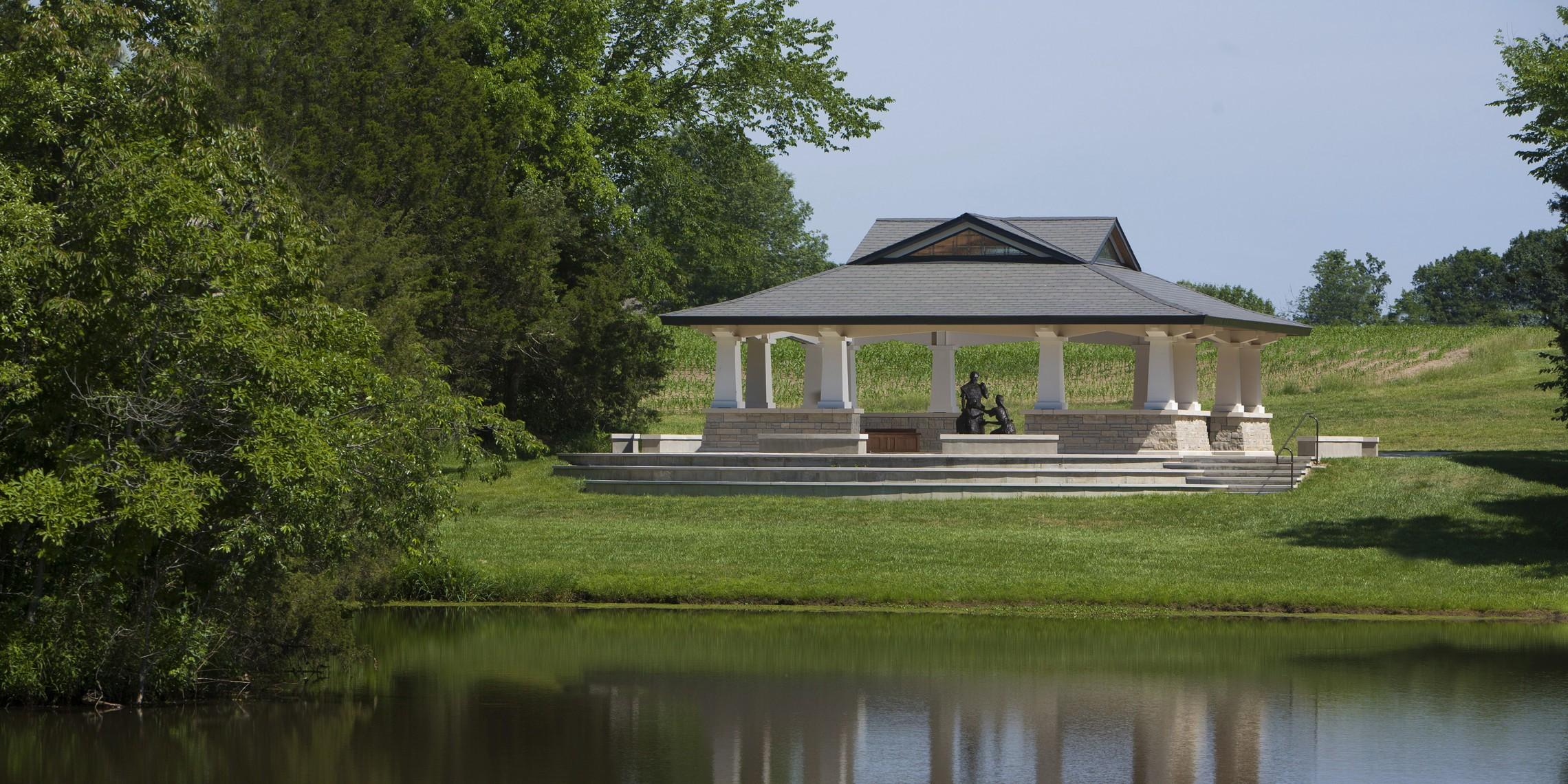 Naunheim Shrine image